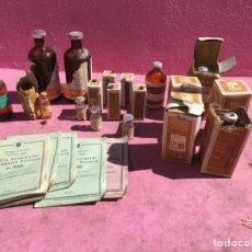 Coleccionismo Otros Botellas y Bebidas: LOTE A18 BOTELLAS DE CRISTAL Y CARTILLAS ANTIGUAS DE VARIOS TAMAÑOS FARMACIA Y VETERINARIA.. Lote 165819329