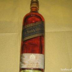 Coleccionismo Otros Botellas y Bebidas: JOHNNIE WALKER - BLACK LABEL - PRECINTADA Y LLENA - AÑOS 60?. Lote 165898754