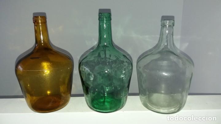 Coleccionismo Otros Botellas y Bebidas: Antiguas damajuana garrafas PEQUEÑAS cristal MARRÓN VERDE y TRANSPARENTE botellas de 2 LITROS - Foto 2 - 167630456