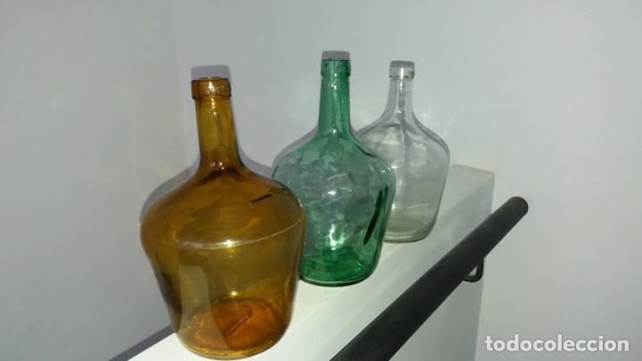 Coleccionismo Otros Botellas y Bebidas: Antiguas damajuana garrafas PEQUEÑAS cristal MARRÓN VERDE y TRANSPARENTE botellas de 2 LITROS - Foto 5 - 167630456