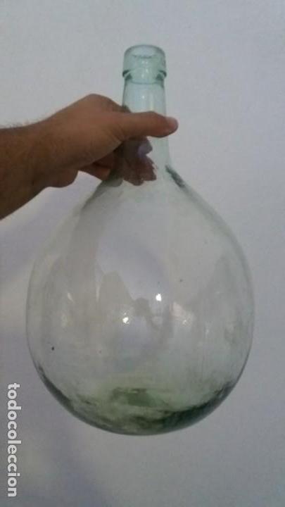 Coleccionismo Otros Botellas y Bebidas: Antigua damajuana garrafa cristal TRANSPARENTE botellas de 8 LITROS marca VILELLA vidrio - Foto 2 - 167630804