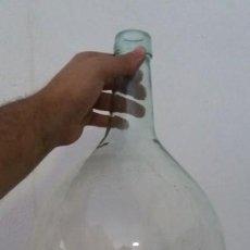 Coleccionismo Otros Botellas y Bebidas: ANTIGUA DAMAJUANA GARRAFA CRISTAL TRANSPARENTE BOTELLAS DE 8 LITROS MARCA VILELLA VIDRIO. Lote 167630804