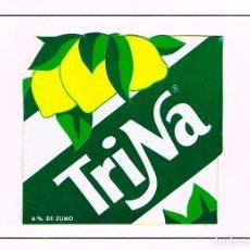 Coleccionismo Otros Botellas y Bebidas: TRINA, METÁLICA, MONTADA SOBRE CARTULINA. Lote 167824032