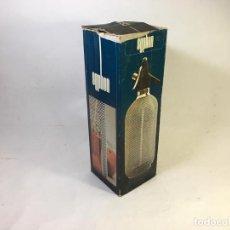 Coleccionismo Otros Botellas y Bebidas: SIFÓN MALLADO METÁLICO BY KOVOCAS DE COCTELERÍA PROFESIONAL ABSOLUTE VINTAGE AÑOS 60 35 CM EN CAJA O. Lote 168462820