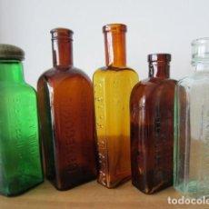 Coleccionismo Otros Botellas y Bebidas: 5 BOTELLAS FRASCOS ANTIGUOS VIDRIO - MEDICAMENTOS FARMACIA MEDICINA - MARCAS EN RELIEVE + INFO.. Lote 168760264