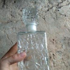 Coleccionismo Otros Botellas y Bebidas: BOTELLA CRISTAL TALLADO. Lote 169803388