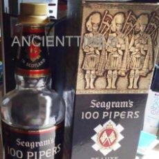 Coleccionismo Otros Botellas y Bebidas: 100 PIPERS.SEAGRAM´S.SCOTCH WHISKY.BOTELLA WHISKY ESCOCÉS.2004.. Lote 169825960