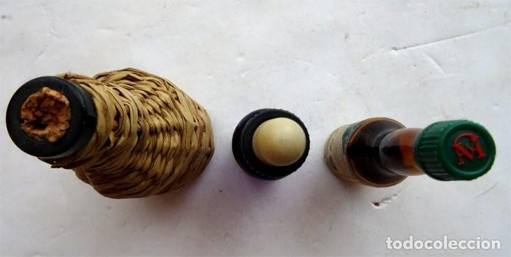 Coleccionismo Otros Botellas y Bebidas: 3 pequeñas BOTELLAS ANTIGUAS – VIDRIO - Foto 3 - 170536272