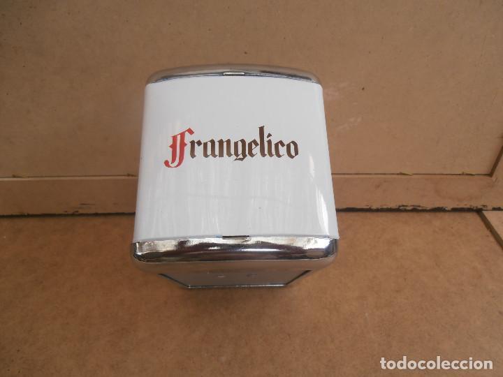 Coleccionismo Otros Botellas y Bebidas: SERVILLETERO PARA BAR -- PUBLICIDAD FRANGELICO - Foto 3 - 170863115