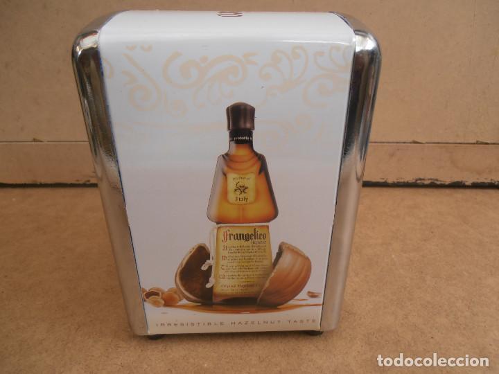 Coleccionismo Otros Botellas y Bebidas: SERVILLETERO PARA BAR -- PUBLICIDAD FRANGELICO - Foto 5 - 170863115