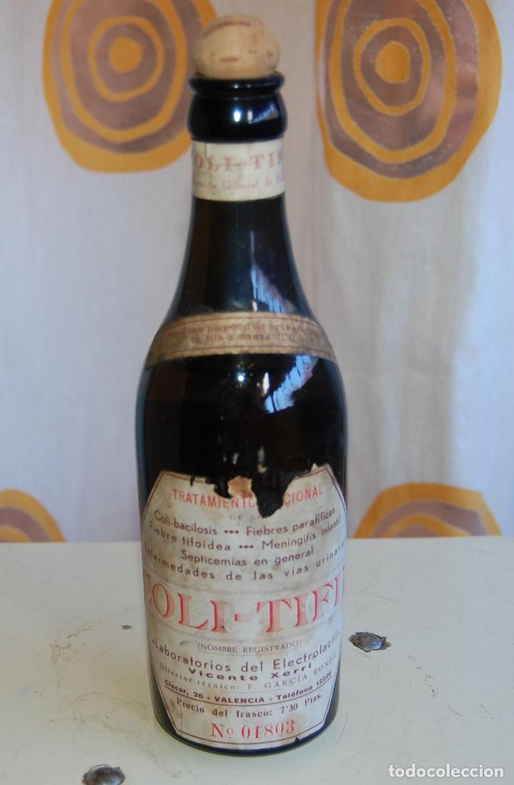 Coleccionismo Otros Botellas y Bebidas: BOTELLA FRASCO DE FARMACIA COLI TIFIL LABORATORIO ELECTROLACTIL VICENTE XERRI VALENCIA - Foto 2 - 171175995