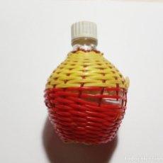 Coleccionismo Otros Botellas y Bebidas: BOTELLITA DE CRISTAL VINTAGE.1960.. Lote 171202117