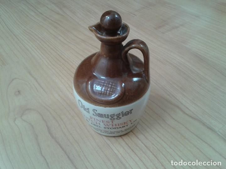 GARRAFA -- BOTELLA -- BARRO VITRIFICADO -- WHISKY -- OLD SMUGGLES -- CASTLES OF SCOTLAND -- 1976 (Coleccionismo - Otras Botellas y Bebidas )