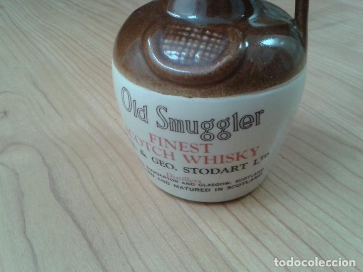Coleccionismo Otros Botellas y Bebidas: Garrafa -- Botella -- Barro vitrificado -- Whisky -- Old Smuggles -- Castles of Scotland -- 1976 - Foto 2 - 171412033