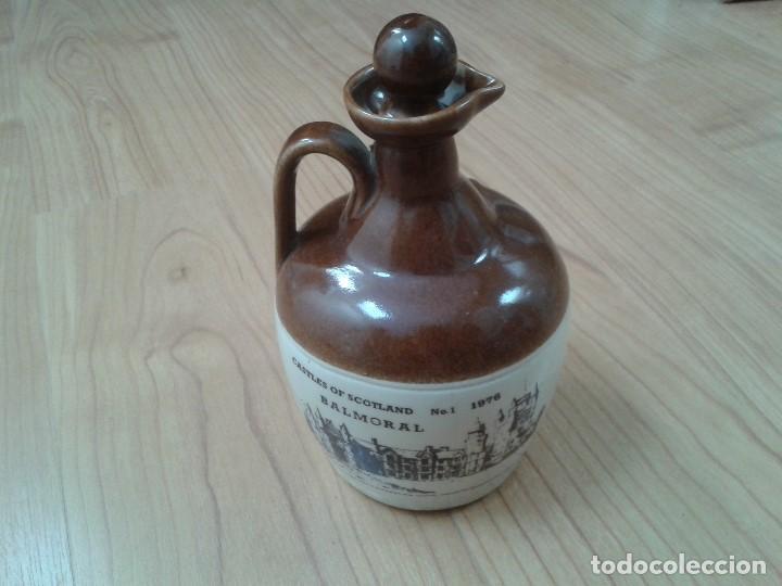 Coleccionismo Otros Botellas y Bebidas: Garrafa -- Botella -- Barro vitrificado -- Whisky -- Old Smuggles -- Castles of Scotland -- 1976 - Foto 3 - 171412033