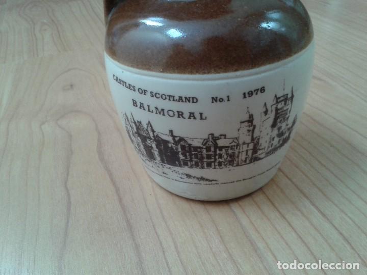 Coleccionismo Otros Botellas y Bebidas: Garrafa -- Botella -- Barro vitrificado -- Whisky -- Old Smuggles -- Castles of Scotland -- 1976 - Foto 4 - 171412033