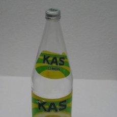 Coleccionismo Otros Botellas y Bebidas: ANTIGUA BOTELLA DE KAS LIMON. 1 LITRO. ETIQUETA DE PAPEL.. Lote 171512225