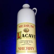 Coleccionismo Otros Botellas y Bebidas: BOTELLA-LACAVE-SHERRY-VACÍA-CERÁMICA PERFECTA-COLECCIONISTAS-VER FOTOS. Lote 172722925