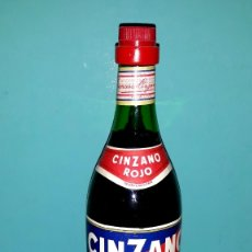 Coleccionismo Otros Botellas y Bebidas: ANTIGUA BOTELLA DE VERMOUTH CINZANO SIN ABRIR EN MUY BUEN ESTADO. Lote 173082824
