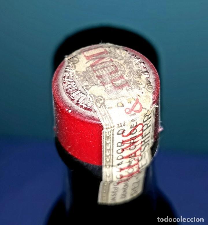 Coleccionismo Otros Botellas y Bebidas: ANTIGUA BOTELLA DE SHERRY JEREZ DRY SACK DE WILLIAMS & HUMBERT SIN ABRIR - Foto 5 - 196897220