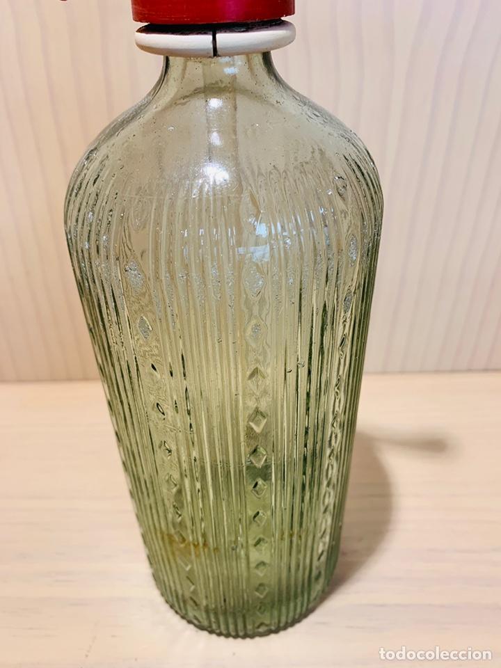Coleccionismo Otros Botellas y Bebidas: SIFÓN DE TORTOSA ESPUMOSOS CURTO (TELEFONO 100) ANTIGUO SIFON VIDRIO LABRADO - Foto 4 - 174553529