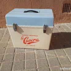 Coleccionismo Otros Botellas y Bebidas: NEVERA VINTAGE GASEOSA LA CASERA AÑOS 70. Lote 175730883