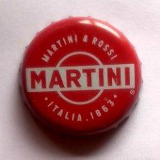 Coleccionismo Otros Botellas y Bebidas: CHAPA CORONA - MARTINI - BUEN ESTADO. Lote 176480387