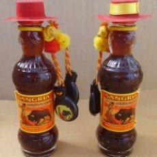 Coleccionismo Otros Botellas y Bebidas: BOTELLINES DE SANGRIA CON CASTAÑUELAS Y SOMBRERO PRECIO POR UNIDAD. Lote 176488425