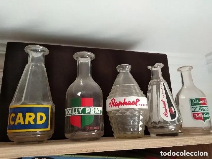 25 JARRAS APERITIVOS VINTAGE SUZE RICARD NOILLY ST RAPHAEL BERGER SALERS MARTINI ONAL PERNOD (Coleccionismo - Otras Botellas y Bebidas )
