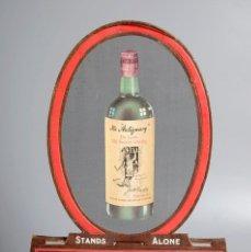 Coleccionismo Otros Botellas y Bebidas: RARÍSIMO DISPLAY PLEGABLE DE CARTÓN. PUBLICIDAD WHISKY THE ANTIQUARY. AÑOS 30/40. Lote 178120300