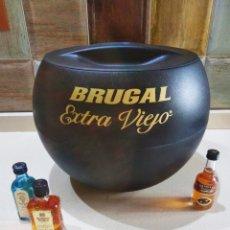 Coleccionismo Otros Botellas y Bebidas: CUBITERA BRUGAL GRAN CAPACIDAD. Lote 178806151