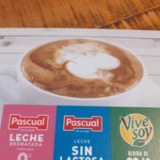 Coleccionismo Otros Botellas y Bebidas: LECHE PASCUAL - CARTEL CON PEGATINA. Lote 178844141