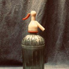 Coleccionismo Otros Botellas y Bebidas: SIFON VIDRIO GRUESO MARCA BARRANCA BARCELONA TAPON BODEGS CAMPANERA NAVIA ASTURIAS 29,5X9,5. Lote 180051513