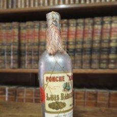 Coleccionismo Otros Botellas y Bebidas: BOTELLA DE PONCHE. LUIS BARCELÓ. MÁLAGA. PRECINTADA CON RED. 33 CM.. Lote 180425837