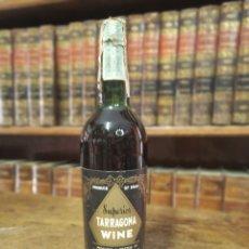 Coleccionismo Otros Botellas y Bebidas: BOTELLA DE VINO TINTO. TARRAGONA WINE. SUPERIOR. RENÉ BARBIER. TARRAGONA. PRECINTADA. 30 CM.. Lote 180426382