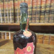 Coleccionismo Otros Botellas y Bebidas: BOTELLA DE CREMA DE CACAO. LICORES LA CAMPANA. PRECINTADA. 28 CM. RARA.. Lote 180426507