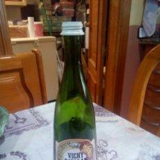 Coleccionismo Otros Botellas y Bebidas: BOTELLA DE VICHY CATALAN ETIQUETA Y TAPON. Lote 181923527