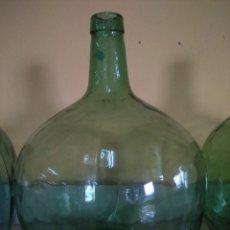 Coleccionismo Otros Botellas y Bebidas: GARRAFA O DAMA JUANA -- CRISTAL VERDE -- 16 LITROS -- MARCA VIRESA --. Lote 184437751