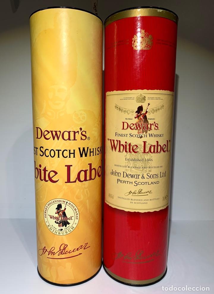 2 LATAS ESTUCHES WHITE LABEL DEWAR'S FINEST SCOTCH WHISKY (Coleccionismo - Otras Botellas y Bebidas )