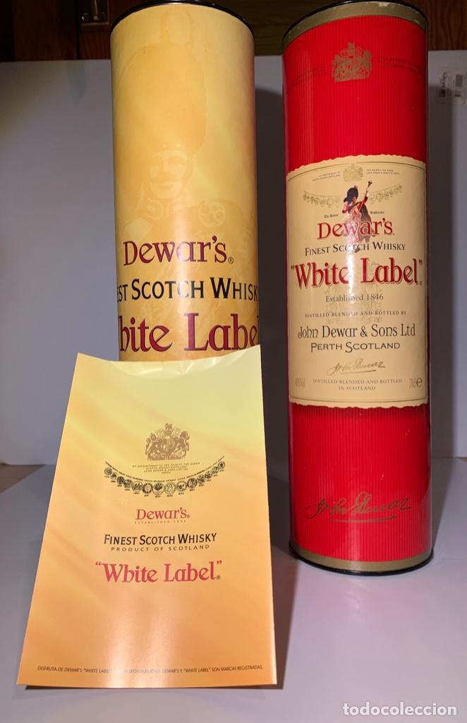Coleccionismo Otros Botellas y Bebidas: 2 Latas Estuches White Label Dewar's Finest Scotch Whisky - Foto 8 - 187499873