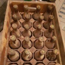 Coleccionismo Otros Botellas y Bebidas: CAJA COMPLETA REFRESCOS LIMONET LLENAS Y CON CHAPA ORIGINAL DE EPOCA. Lote 187500485
