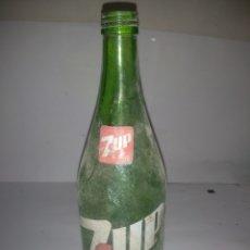 Coleccionismo Otros Botellas y Bebidas: BOTELLA 7UP DE 828 C.C. ESCASA Y DIFÍCIL. Lote 187607296