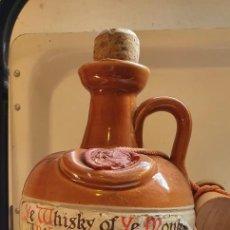 Coleccionismo Otros Botellas y Bebidas: GARRAFA DE WHISKY OF YE MONKS VACÍA . Lote 189375451
