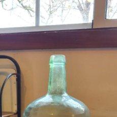 Coleccionismo Otros Botellas y Bebidas: GARRAFA DE CRISTAL VERDE . Lote 189376895