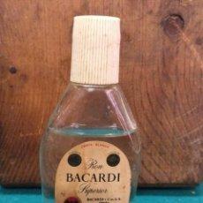Coleccionismo Otros Botellas y Bebidas: ANTIGUO BOTELLIN BACARDI MALAGA ESPAÑA. Lote 190131898