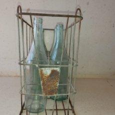 Coleccionismo Otros Botellas y Bebidas: BOTELLERO CESTA METÁLICA DE LA CASERA VINTAGE AÑOS 60. Lote 190272423