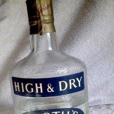 Coleccionismo Otros Botellas y Bebidas: BOTELLA GINEBRA BOOTH'S SIN ABRIR. AÑOS 60. IMPORTADA. FALTA DEL LEONCITO DE PLÁSTICO.. Lote 144574638
