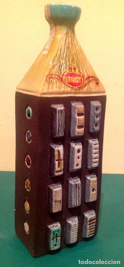 Coleccionismo Otros Botellas y Bebidas: Botella Brandy BOFILL Precinto De 4 Pesetas De Colección - Foto 3 - 190853942