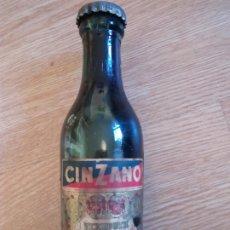 Coleccionismo Otros Botellas y Bebidas: BOTELLIN CINZANO. Lote 191450470