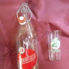 Coleccionismo Otros Botellas y Bebidas: ANTIGUAS GASEOSAS-LA REVOLTOSA-Y -LA PITUSA-BOTELLA Y VASO SERIGRAFIADO.AÑOS 60.. Lote 194333601